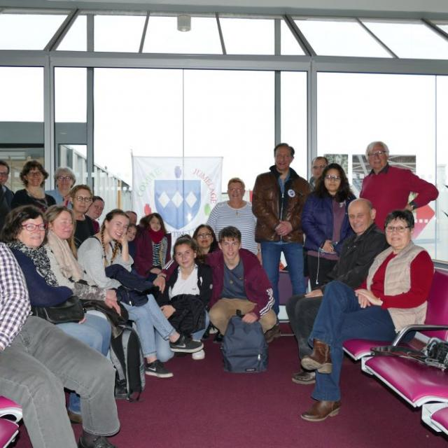 C.J.C Irlande 2019 086 le Groupe à l'aéroport RG