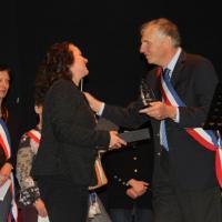 Remise du Trophée donné par Roscommon au Maire de Chartrettes le 20 janvier 2017